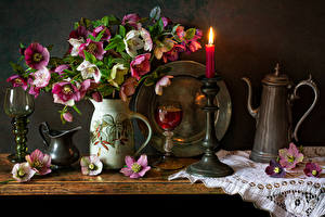 Картинка Морозник Натюрморт Свечи Вино Вазы Кувшины Бокалы цветок