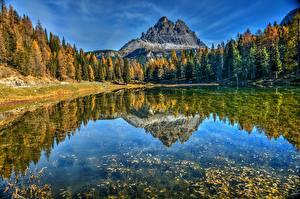 Картинка Италия Горы Озеро Осень Отражается Деревьев Альп Lake Antorno, Dolomites Природа