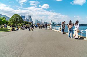 Обои для рабочего стола Япония Дома Люди Набережной Yokohama, Yamashita Park Города