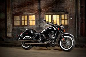Фотография Kawasaki Черный Сбоку 2011-21 VN900 Vulcan Classic мотоцикл
