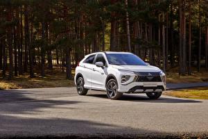 Обои Mitsubishi Кроссовер Белый Металлик Гибридный автомобиль Eclipse Cross Plug-in Hybrid, Worldwide, 2020 -- Автомобили