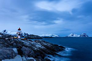 Обои для рабочего стола Норвегия Лофотенские острова Гора Побережье Маяки Kabelvag Природа