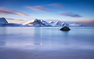 Фотографии Норвегия Горы Лофотенские острова Haukland Beach Природа