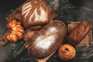 Фотография Выпечка Хлеб Булочки Мука Разделочная доска Колосья Еда