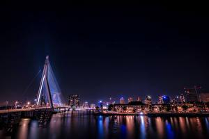 Фотография Роттердам Германия Здания Речка Мост Ночь Лучи света город