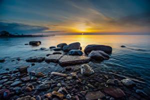 Обои для рабочего стола Море Рассвет и закат Камень Горизонта Природа