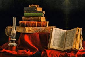 Картинка Натюрморт Ламп Книги Старый