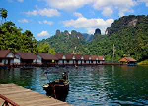 Фотография Таиланд Гора Озеро Здания Парк Причалы Лодки Cheow Lan Lake Khao Sok National Park