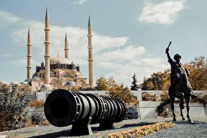 Обои для рабочего стола Турция Мечеть Скульптуры Лошади Пушки Selemiye Mosque, Edirne город