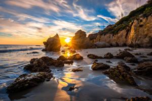 Обои для рабочего стола Штаты Побережье Рассвет и закат Калифорнии Скале Солнца Природа