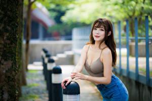 Обои Азиатки Боке Руки Смотрит Девушки