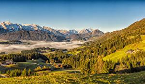 Картинка Австрия Осенние Гора Дома Пейзаж Альп Ели Туман Природа
