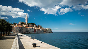 Обои для рабочего стола Хорватия Море Здания Набережная Облака Rovinj город
