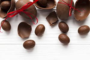 Картинки Пасха Шоколад Яйца Бантик Еда
