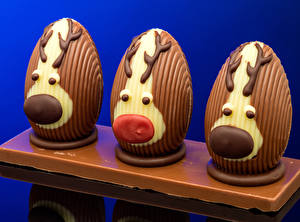 Обои для рабочего стола Пасха Креатив Шоколад Олени Яйца Дизайн Еда