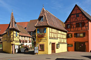 Картинки Франция Дома Дизайн Уличные фонари Eguisheim город