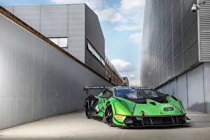 Фотография Ламборгини Зеленый Essenza SCV12, 2020 -- Автомобили