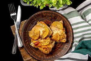 Картинки Мясные продукты Ножик Курица запеченная Тарелке Вилка столовая Пища