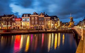 Картинки Нидерланды Здания Водный канал Набережная Leiden