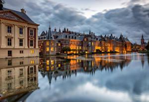Картинки Голландия Дома Пруд Облака Отражение The Hague, Hofvijver