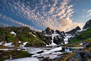 Картинка Норвегия Лофотенские острова Гора Облачно Фьорд Trollfjord