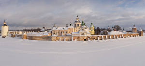 Картинки Россия Зима Храмы Монастырь Церковь Снега Забора Kirillo-Belozersky Monastery (Kirillov) город