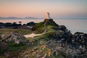 Картинки Великобритания Побережье Маяк Уэльс Tŵr Mawr Природа