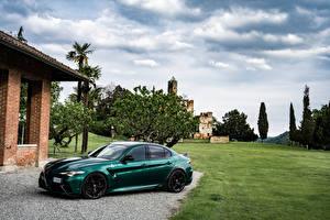 Картинка Alfa Romeo Зеленая Металлик Giulia GTA (952), 2021 авто