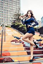 Фото Азиаты Поза Ноги Платье Лестница Девушки