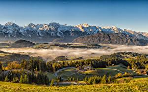 Обои Австрия Горы Дома Луга Пейзаж Альп Туман Природа
