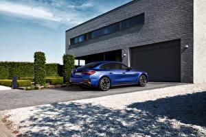 Обои BMW Синие Металлик Ворота i4 M50, (Worldwide), (G26), 2021 автомобиль
