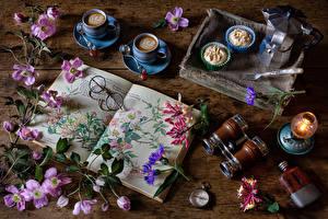 Картинки Ломонос Натюрморт Кофе Капучино Пирожное Керосиновая лампа Карманные часы Доски Чашке Книга Очков Цветы