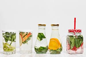 Картинки Напиток Овощи Фрукты Белый фон Стакане Банки Бутылки Пища