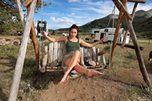 Картинки Elena Generi Качели Сидящие Ноги Смотрят Девушки