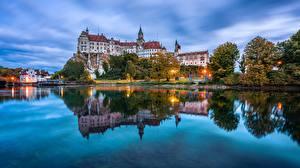 Фото Германия Река Замки Отражение Sigmaringen Castle город