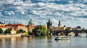 Картинки Прага Чехия Река Мосты Речные суда Карлов мост Vltava Города