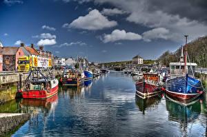 Фотографии Шотландия Дома Причалы Речные суда Заливы Eyemouth Harbour Города