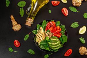 Фотография Овощи Имбирь Томаты Авокадо Сером фоне Бутылка Масла