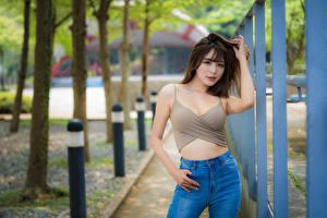 Обои Азиатка Поза Боке Майки Джинсы Смотрят Девушки