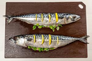 Фото Рыба Лимоны 2 Разделочная доска Еда