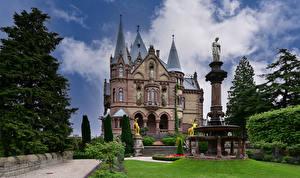 Обои для рабочего стола Германия Замки Ландшафтный дизайн Башни Schloss Drachenburg Города