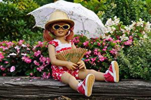 Фото Германия Парк Девочка Кукла Очки Зонтом Шляпа Grugapark Essen Природа