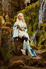 Фото Михаил Давыдов фотограф Камни The Legend of Zelda Сидит Поза Косплей Zelda молодая женщина Фэнтези