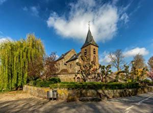 Фото Нидерланды Церковь Облако Деревьев Asselt