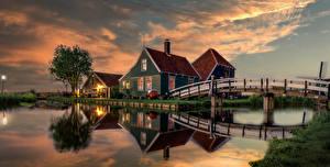 Фото Нидерланды Вечер Дома Мост Водный канал Zaanse Schans Природа