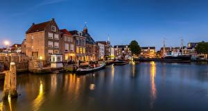 Картинки Нидерланды Здания Речные суда Maassluis город