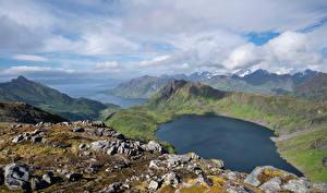 Фотографии Норвегия Гора Лофотенские острова Пейзаж Озеро Облачно Løynvatnet