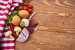 Картинки Помидоры Лук репчатый Чеснок Острый перец чили Грибы Ветчина Яйцами Спаржа Еда