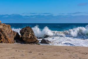 Фотография США Берег Волны Камень Калифорния Point Dume in Malibu Природа