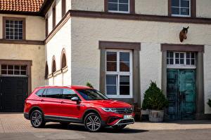 Обои Volkswagen Красный Металлик Кроссовер Tiguan Allspace 4MOTION, (Worldwide), 2021 авто